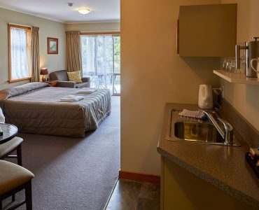 Aoraki Alpine Lodge Mt Cook studio one bedroom apartment room